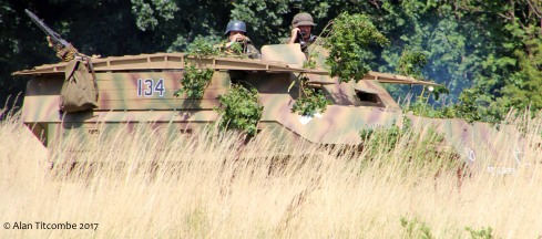 SdKfz 251 half-track (engineer vehicle - replica)
