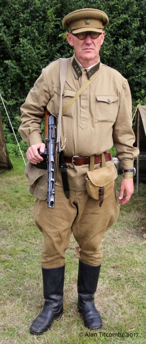 Russian officer WW2