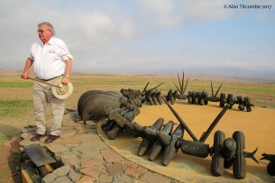 Our guide Anthony discussing the battle at the Zulu memorial