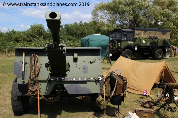 2014 Show - British 25pdr gun & Matador artillery tractor