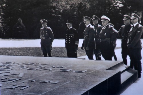 Nazis in 1940 reviewing the WWI Armistice memorial